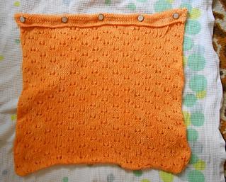 персиковая подушка сохнет