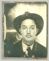 Photobooth man with hat
