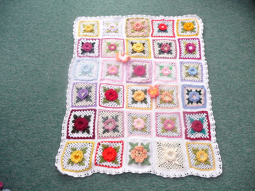 Thanks to everyone that has sent in Squares for this 'Irish Rose' Challenge, simply amazing! Thank you!