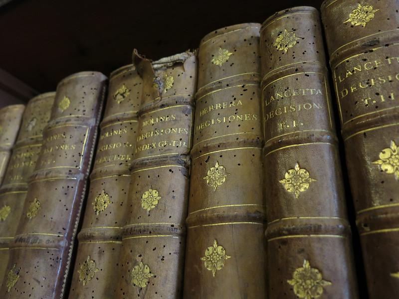 Le tasse si potranno pagare con opere d'arte e libri antichi