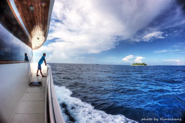 水面休息中は船上でのんびり♪