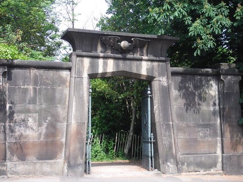 Sheffield General Cemetery, Egyptian Gate