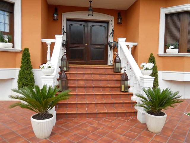 Escaleras entrada casa villa tenorio 1 fotos de for Fotos de jardines