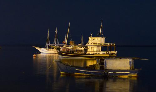 Barcos em Cananeia by kassá