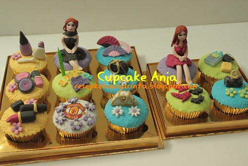 Girly Cupcakes Anja, 7 April 2012