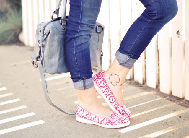 cute crocs-printed flats- loafers-summer flats