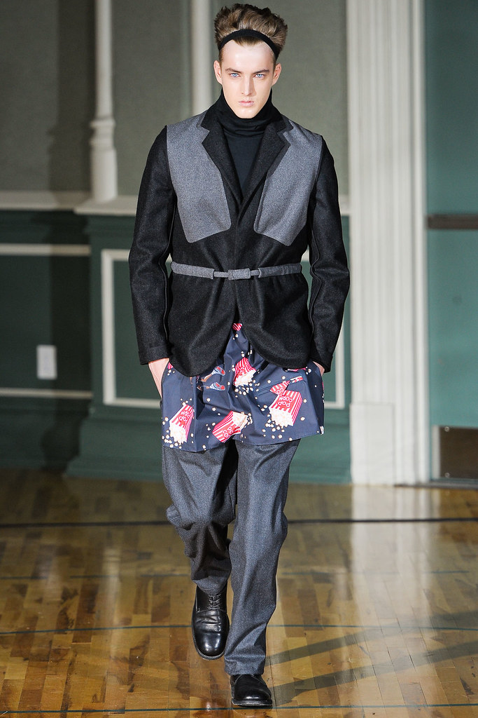 James Smith3628_FW12 NY Siki Im(VOGUE)