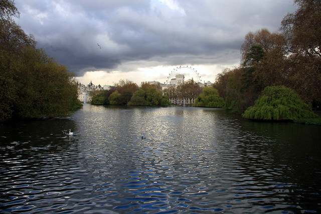 A Walk Through St James Park