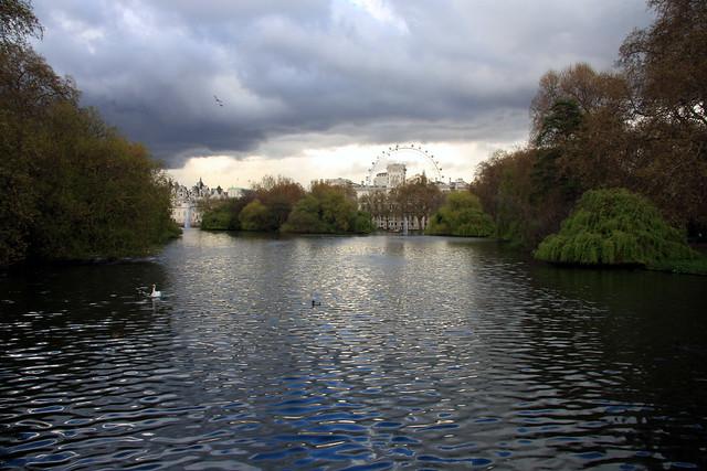 A Walk Through St James Park