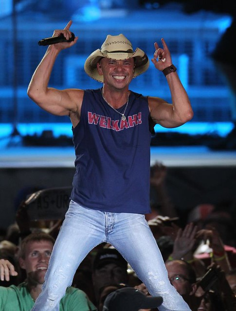 Kenny Chesney Clothing Style Welkah T-Shirt