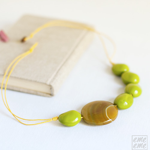Necklace green glass beads and agate