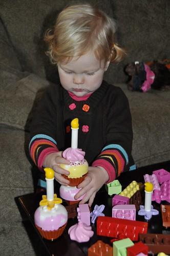 Building Lego cupcakes