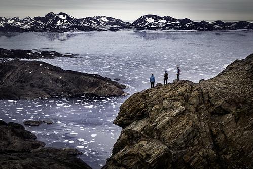 summer mountains hiking arctic adventure commercial greenland inuit eastgreenland mountaneering icefloats ammassalik tasiilaq greenlander sermersooq visitgreenland bymadspihl destinationeastgreenland limitedcommerciallicense begrænsetkommerciellicens