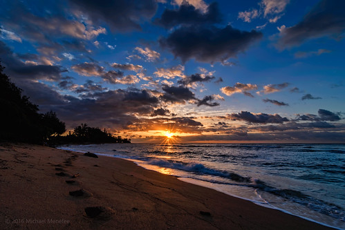 ocean morning seascape nature clouds sunrise skyscape landscape hawaii nikon waves pacific kauai hawaiian d500 kapaa kauaicounty menefee islanderonthebeach coconutcoast kauaʻi michaelmenefee