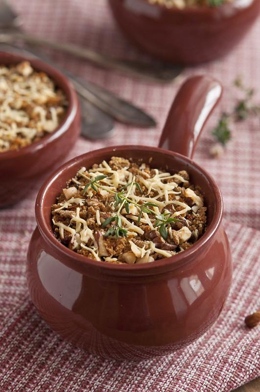 Roast mushrooms with walnuts