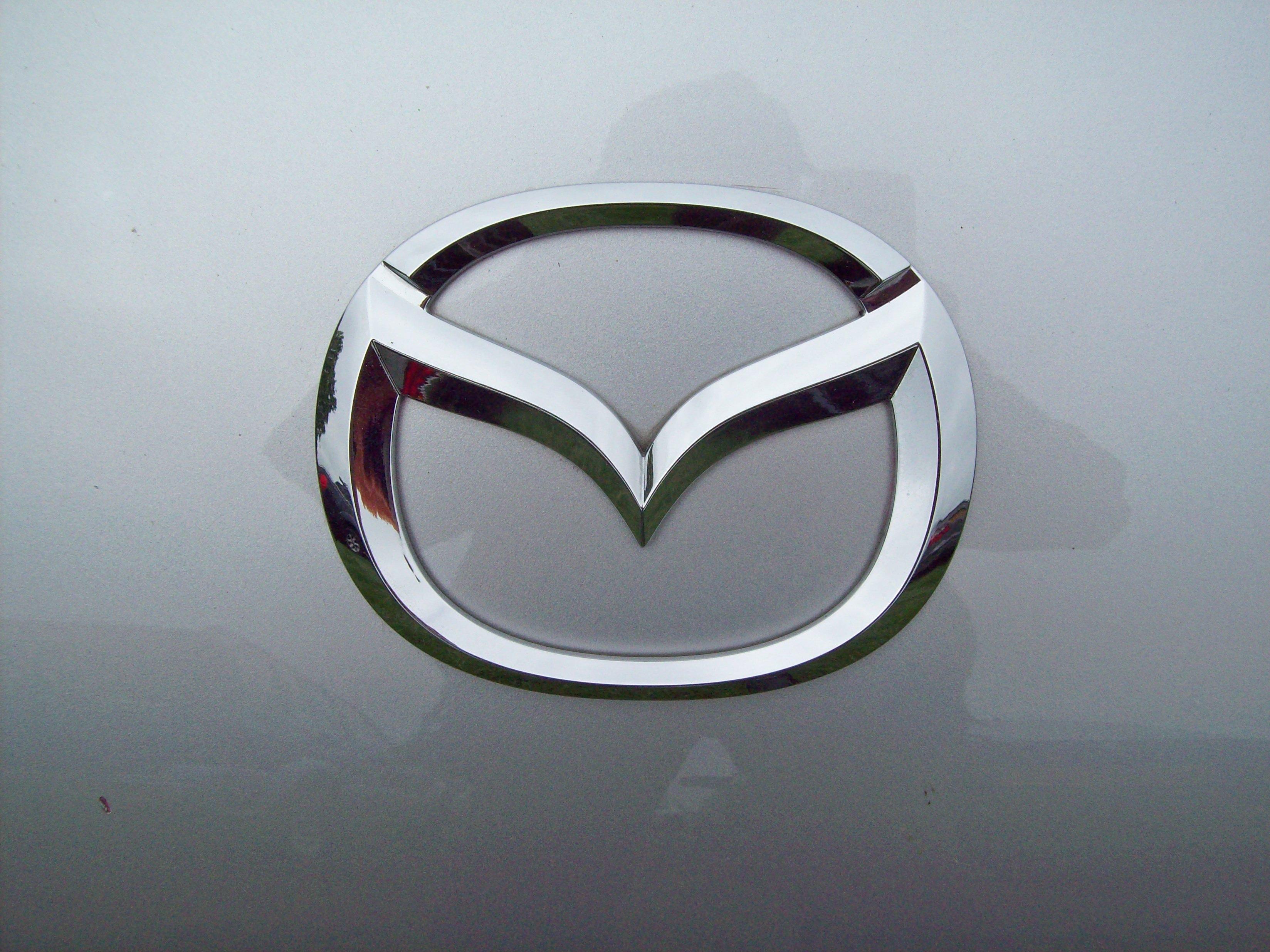 Aston Martin Symbol Wallpaper Ingilizceegzersiz