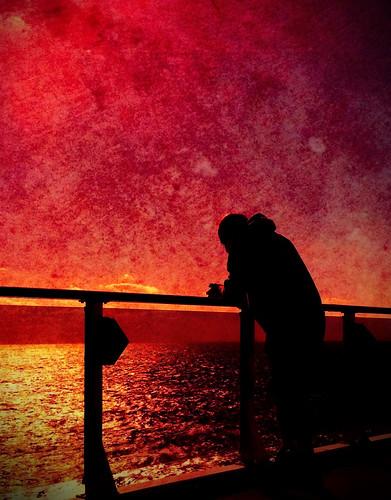 [フリー画像素材] 人物, 朝焼け・夕焼け, 人物 - 海, シルエット ID:201204261600