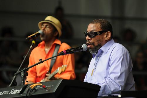 Henry Butler w/Vasti Jackson on guitar. Photo Leon Morris.