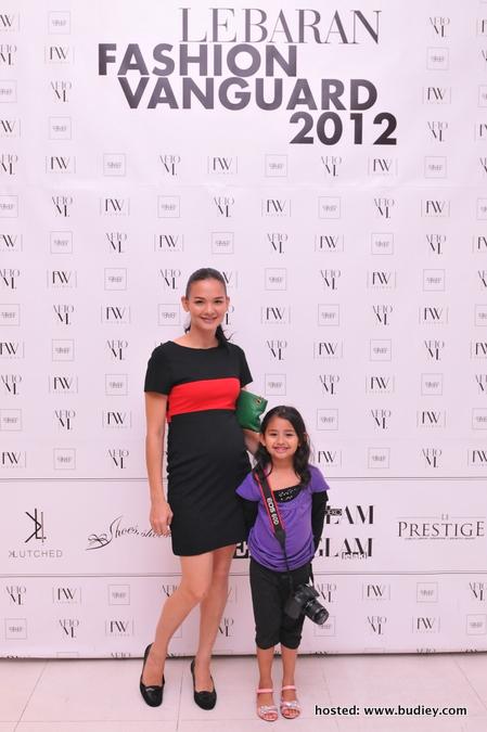 Model-Zahnita Wilson &Amp;Amp; Anak