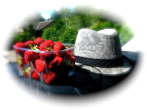 summer hat strawberries