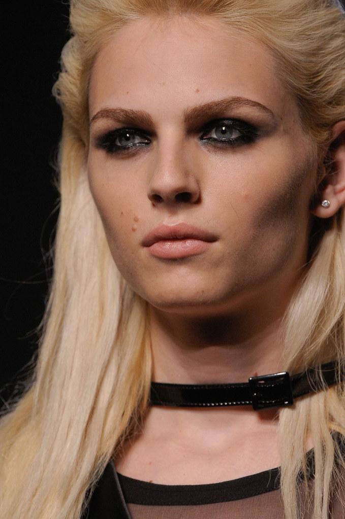 Andrej Pejic3313_FW12 Paris Jean Paul Gaultier Haute Couture(stylebistro via AriLove@TFS)