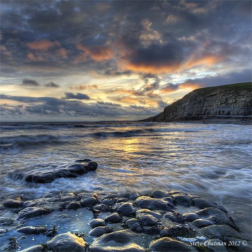 uk sunset sea sky moon beach wales canon sand rocks tide pools 09 lee 1740 dunraven giottos 3stop heritagecoast dunravenbay leefilters ndgrads 5dmk11 stevechatman