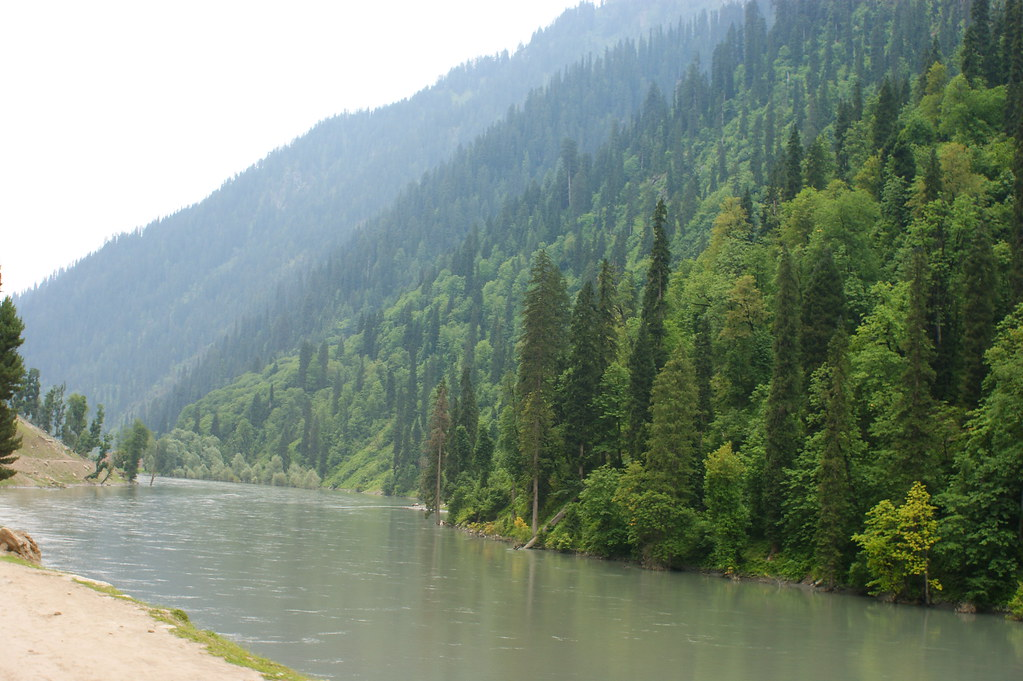 """MJC Summer 2012 Excursion to Neelum Valley with the great """"LIBRA"""" and Co - 7595311194 87d0df2e46 b"""