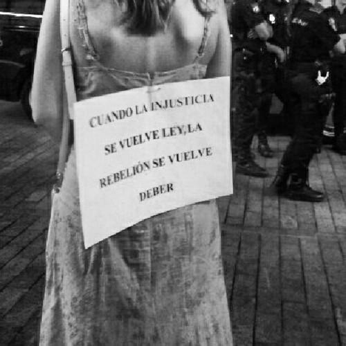 Cuando la injusticia se vuelve ley... #19J #leonesp by Garbándaras