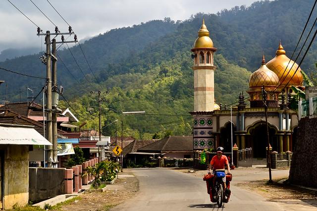 Java Bicycle Touring
