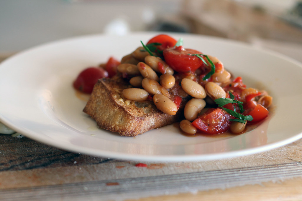 summer white bean ragout with toasts