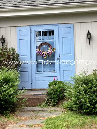 Colonial Door Wreath