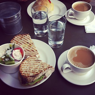 cafécafé (instagram)