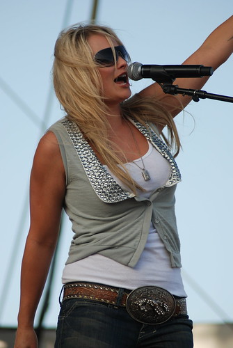 Miranda :Lambert at Stagecoach 2009