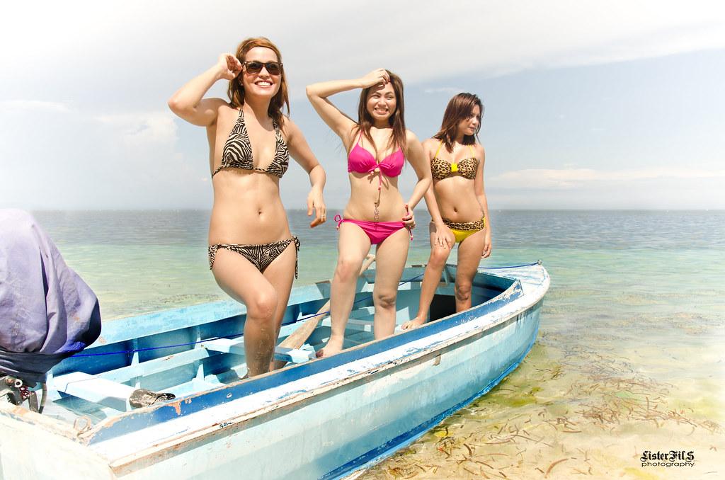 Sisters bikini fight