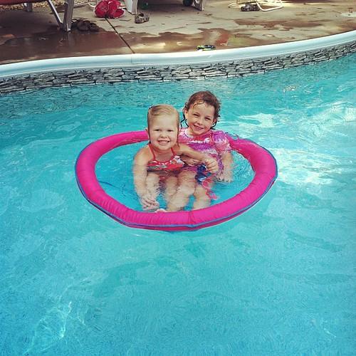 Girls float!