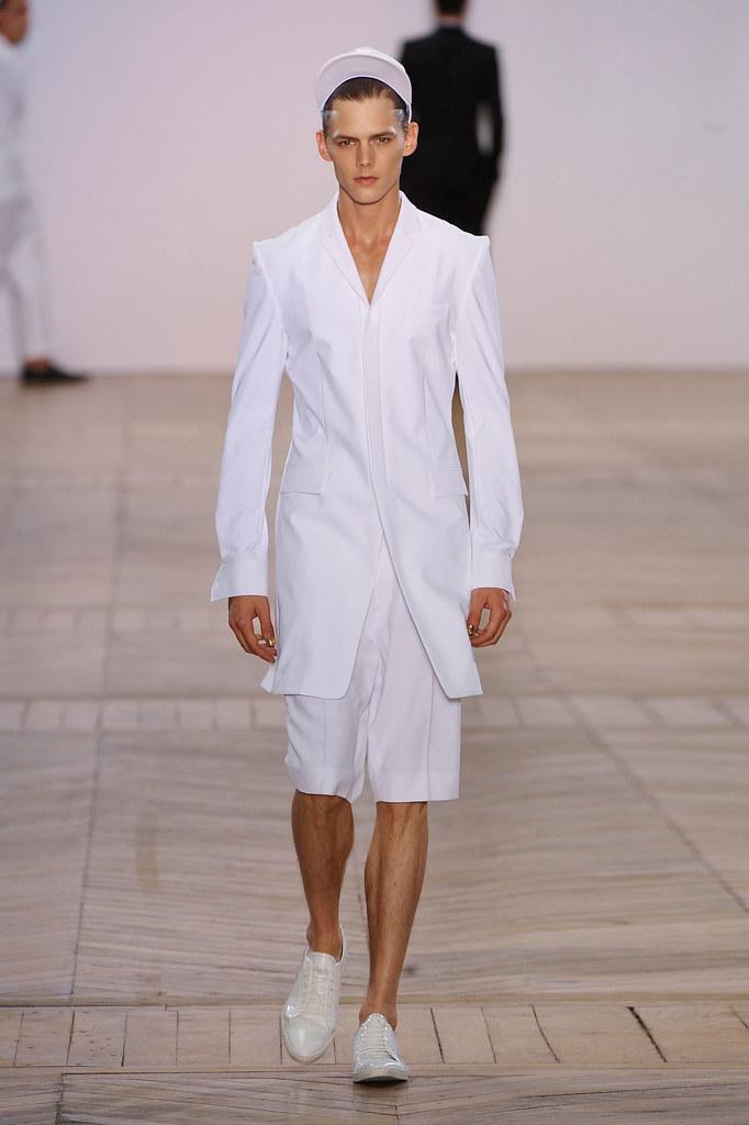 SS13 Paris Juun J.008_Johannes Niermann(fashionising.com)