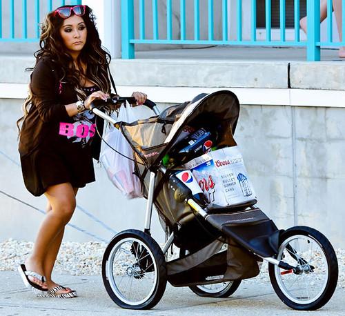 Snooki Unborn Baby in Stroller