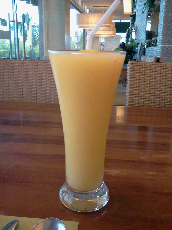 Cafe Laguna Abreeza Mall Davao - mango shake