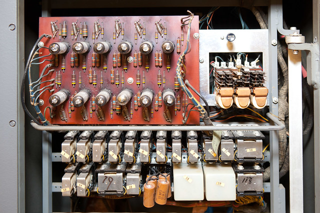 IBM 83 card sorter, vacuum tubes and relays