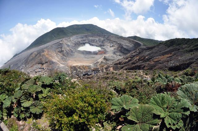 Estar en lo alto del cráter principal del Volcán Poás es una experiencia increíble en Costa Rica volcán poás - 7734261224 aff2ef572d z - Volcán Poás en Costa Rica