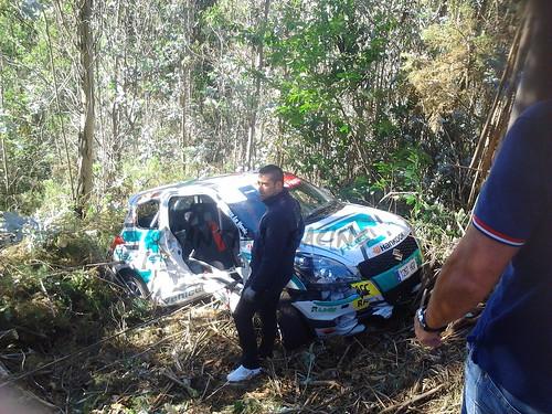 Muchas fueron las salidas de pista, en esta os dejamos la de un Suzuki Swift