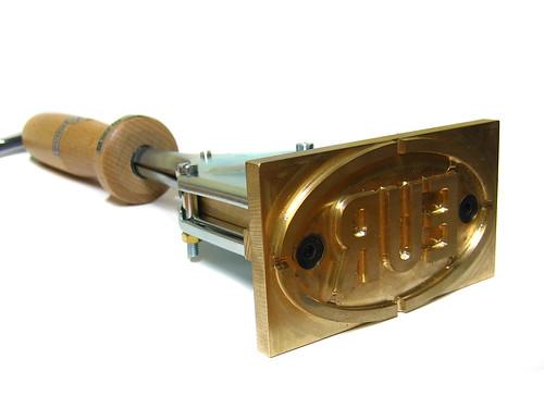 Máquina eléctrica para termograbar con sello pirograbado