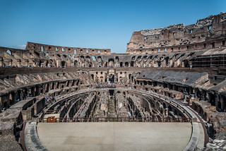 صورة Colosseum قرب Roma Capitale. rome italy buildings architecture colosseum