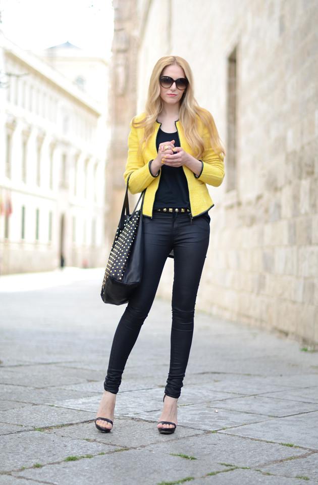 e23fb456872c2 World Fashion - Lifestyle: Żółta marynarka i czarne spodnie