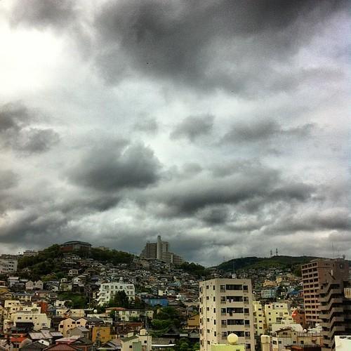 曇ってはいるものの、だいぶ明るくなってきた朝の長崎