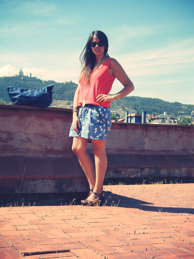 Look shorts estampados + flúor