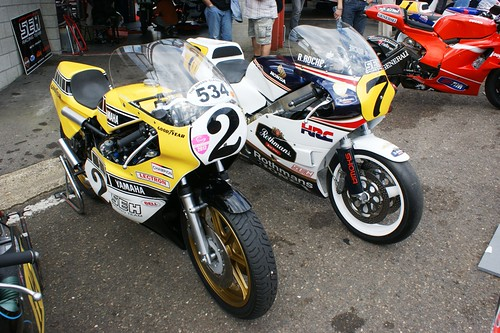 Yamaha TZ750 (Jean-Marie Herhard, 1976) & Honda RS500, ex-Raymond Roche