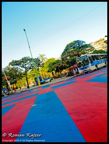 LR2-7241853 Colorful intersection in the heart of Ipanema