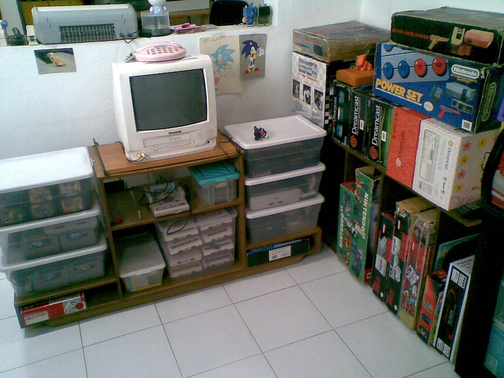 Retro Game Room Update I Use This Mini Tv For Famicom And Flickr
