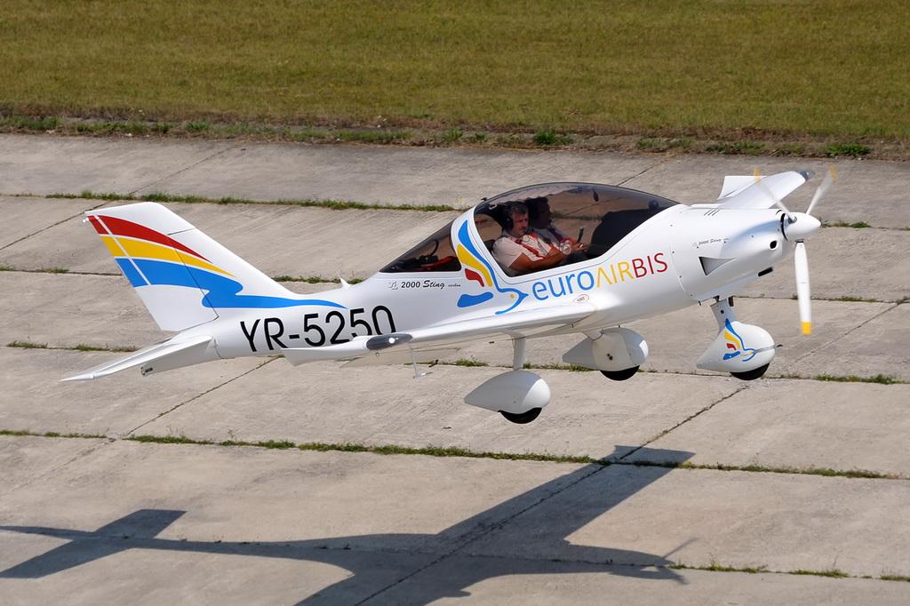 Fly-in @ Floreni - Mitingul cailor putere - Poze 7677964254_d95d9e40d9_o